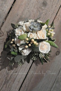 White and Gray Bouquet 1